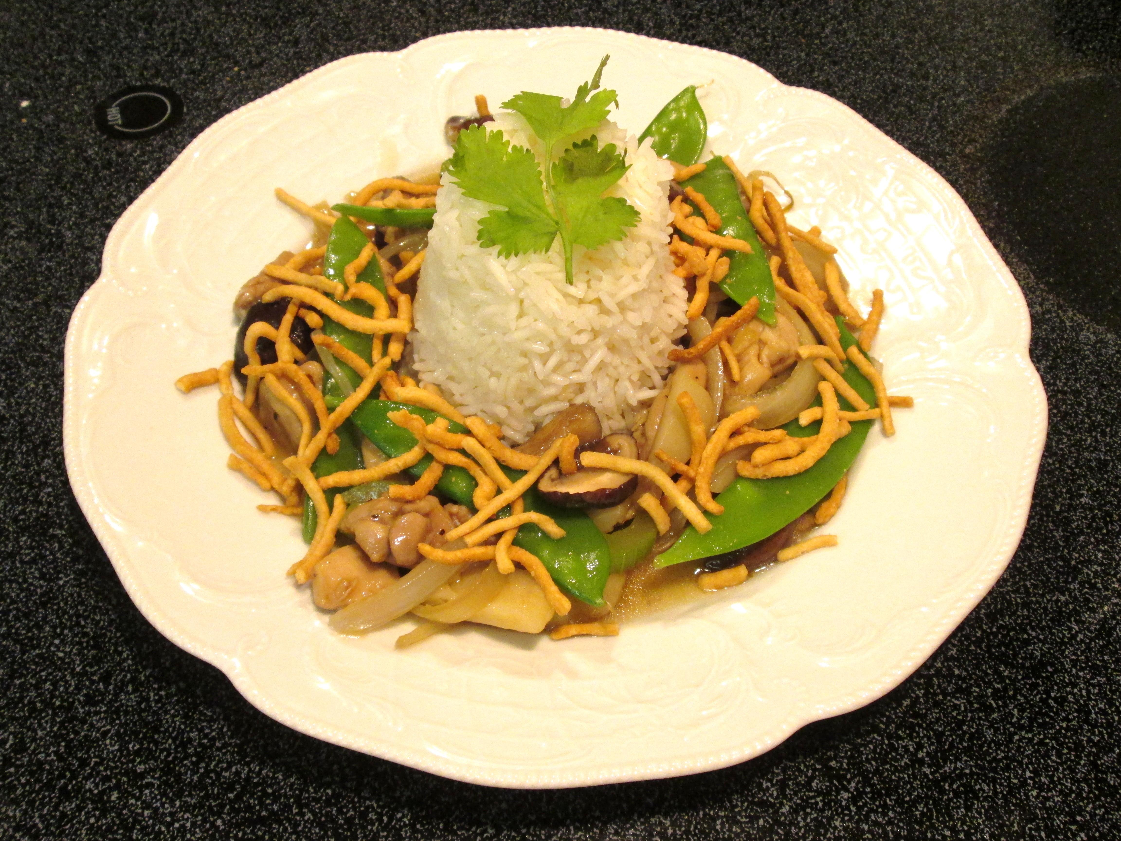Eastern Chicken Chow Mein