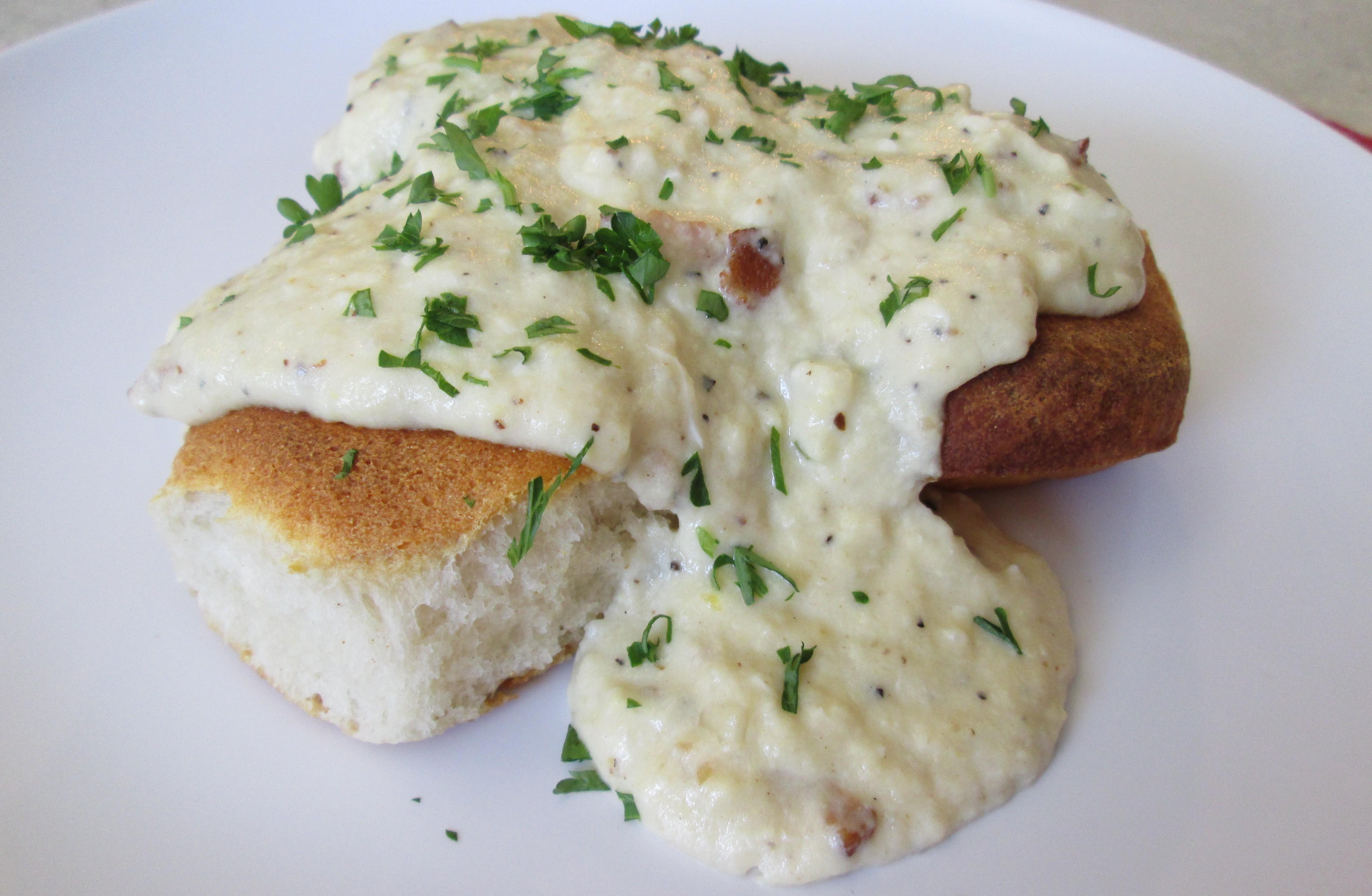 Breakfast Egg Gravy with Bacon