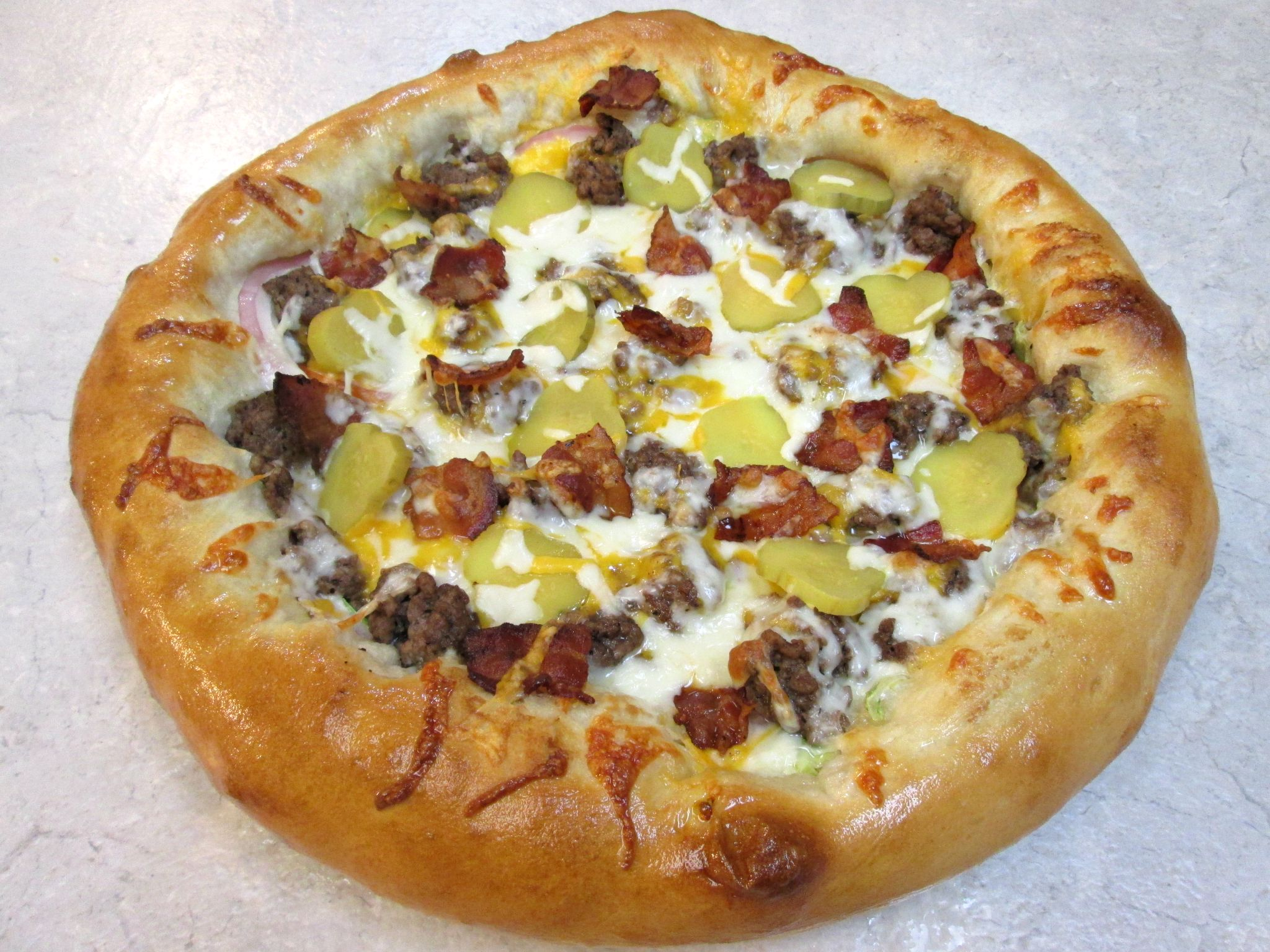 Hamburger Pizza – Bacon Cheeseburger Pizza