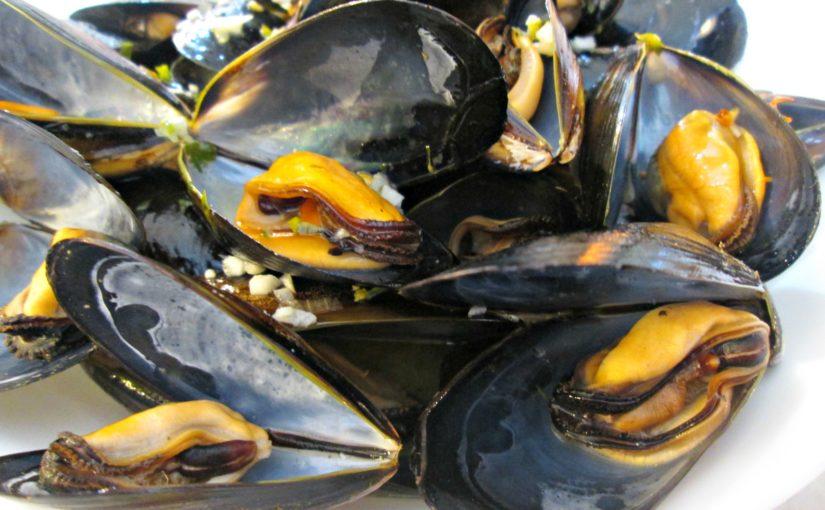 Mussels in a Lemon Garlic Butter Sauce
